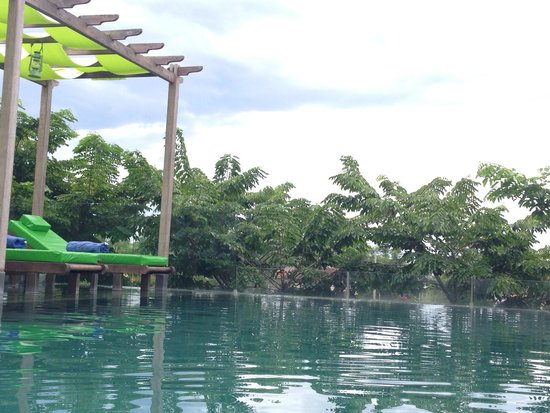 Hoi An Chic Hotel: Rooftop pool