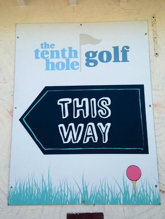 The Tenth Hole Tea Rooms: Not Many Cafe's Have Their Own Golf Course
