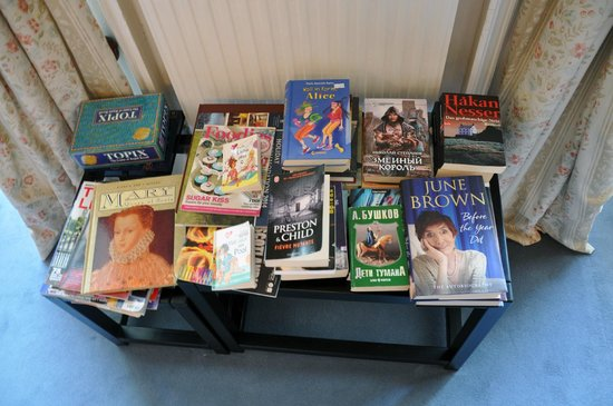 Terrace Hotel: Books to have a rest on different languages!)