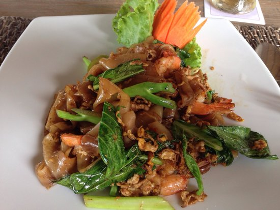 Cape Panwa Hotel : Flat noodles - yummo and well priced