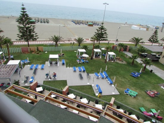 Protur Roquetas Hotel & Spa: view over gardens and promenade to beach