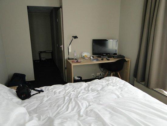 Chelton Hotel: .