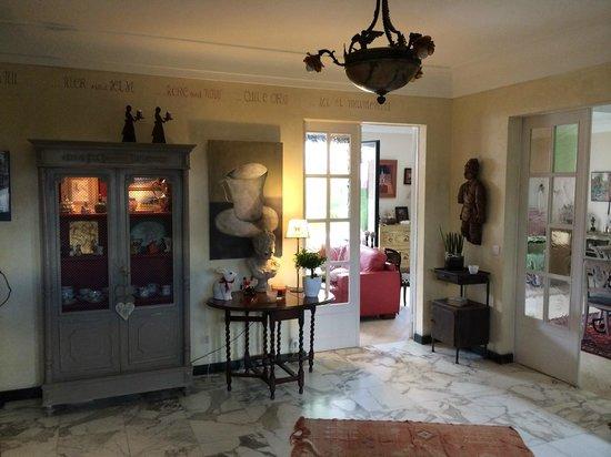 La Maison d'Euphrasie: Entrance hall