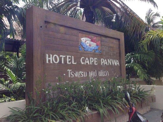 Cape Panwa Hotel: Hotel entrance
