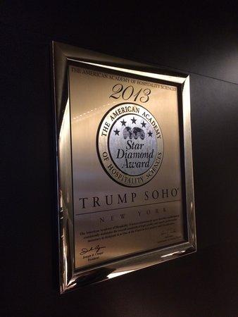 Trump SoHo New York: Trump får utmärkelser