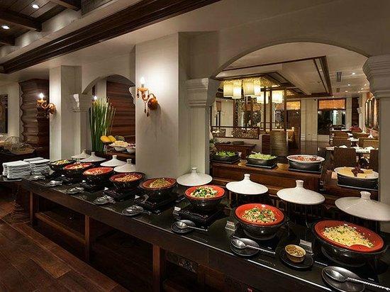 Ratilanna Riverside Spa Resort Chiang Mai : Buffet Breakfast at Mira Terrace