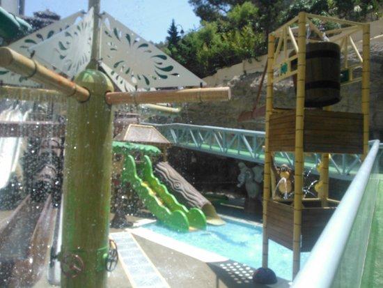 Magic Aqua Rock Gardens: zona niños piscina