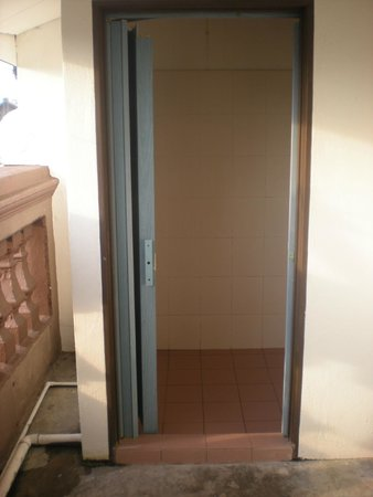 Cocoa Mews : bathroom