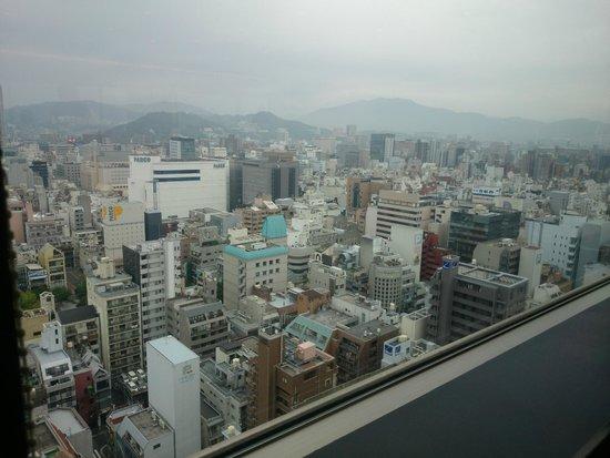 Mitsui Garden Hotel Hiroshima: 25階レストランスペースからの眺め