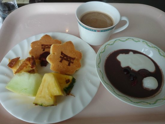 Mitsui Garden Hotel Hiroshima: 名物?もみじ型のパンケーキ