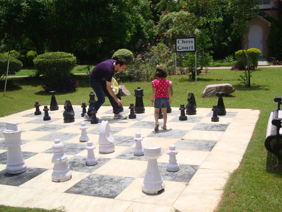 Best Western Resort Country Club: Chess Court