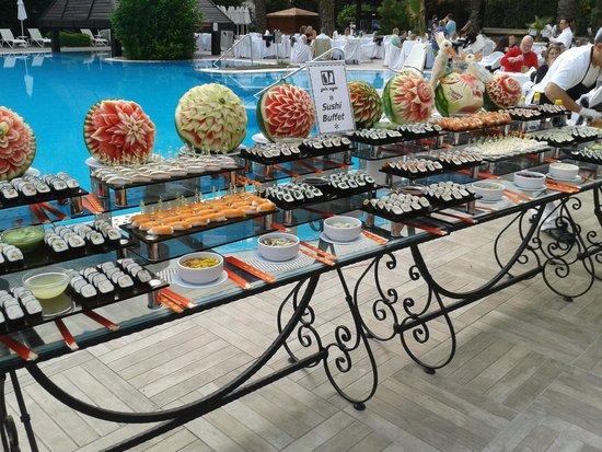 Liberty Hotels Lara : Суши, огромный выбор