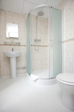 The Union Jack Club: Single bathroom