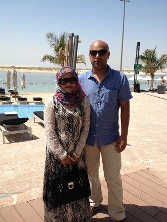 Jumeirah at Etihad Towers: pool and beach