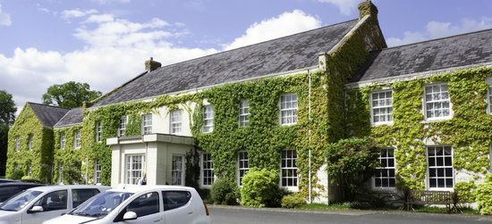 Tullylagan Country House Hotel: Tullylagan House front view
