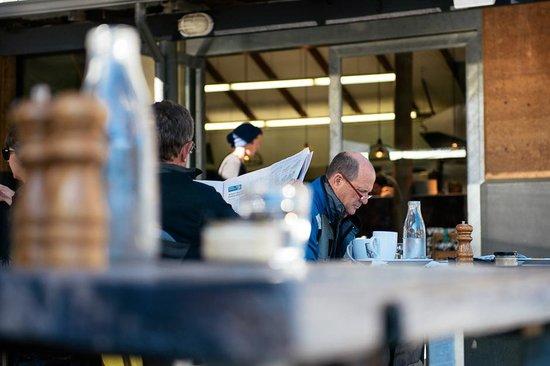 Sails too: Alfresco Dining