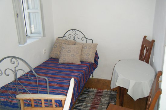 Old Oia Houses: The sitting room