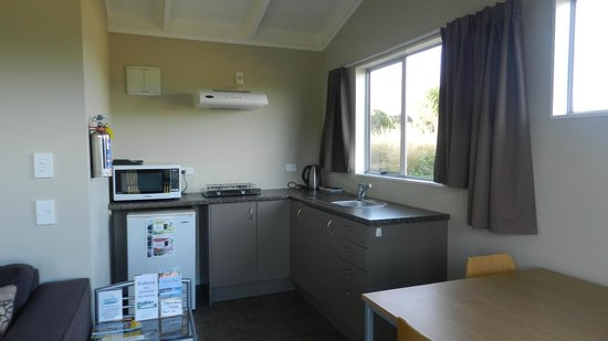 Waikava Harbour View: Kitchenette
