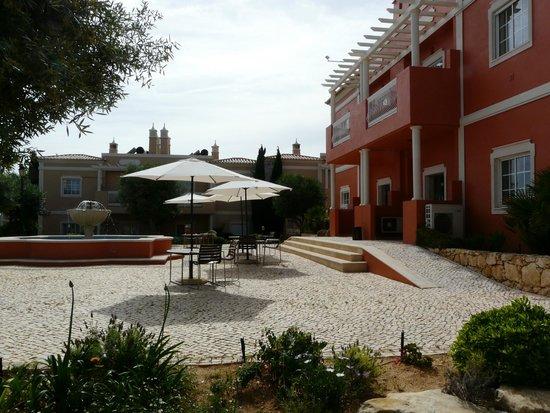 Suites Alba Resort & Spa : courtyard