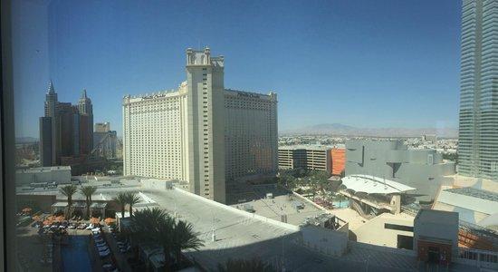 Mandarin Oriental, Las Vegas : room view 1535