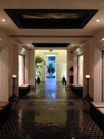 Shinta Mani Club : Hallway