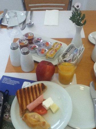 Hotel Eleni: brekkie!