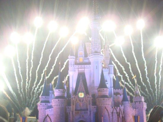 Wishes Fireworks: Show noturno Wishes no MK