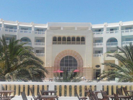 Medina Solaria & Thalasso : cour intérieur