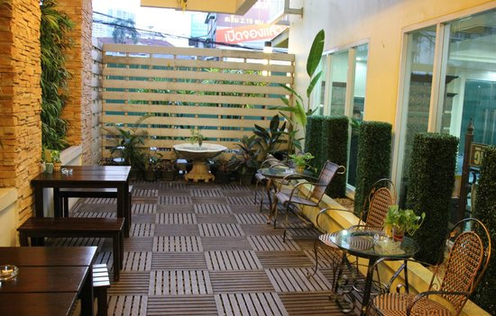 Astera Sathorn: relaxation area
