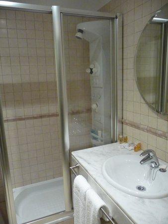Hotel de Floriana: baño