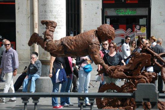 Puerta del Sol : Street artist