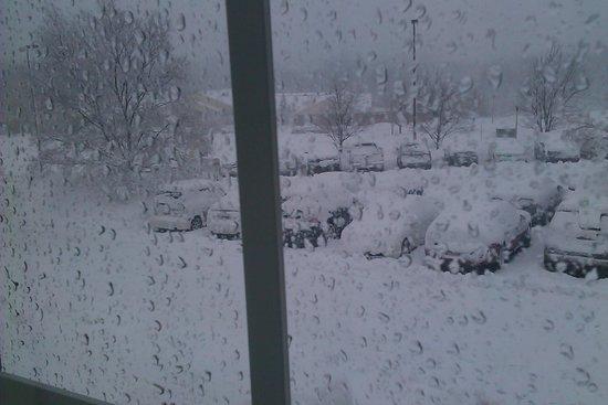 Candlewood Suites Overland Park: вот так это выглядит зимой