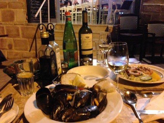 Il-Gzejjer Bar & Restaurant : Vorspeisen: Miesmuscheln und Garnelen
