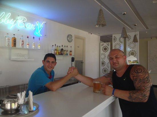 Holiday Village Manar: Number one cocktail bartender