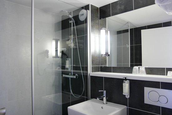 Best Western The Wish Versailles: Salle de bain