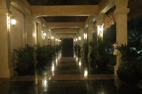 Grand Palladium Kantenah Resort & Spa: Lobby