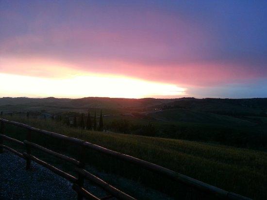 Agriturismo Bonello : tramonto durante la cena