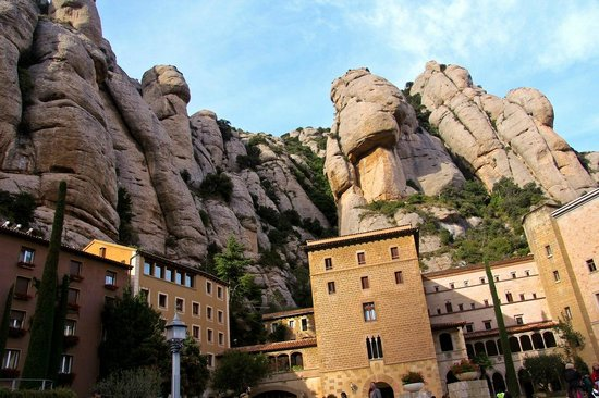 Montserrat Monastery : Montserrat, 08691 Монтсеррат, Испания