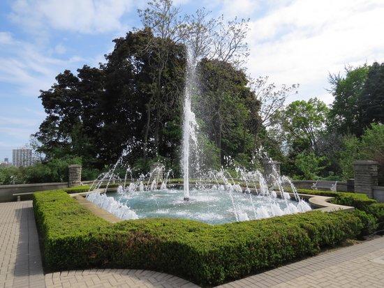 Casa Loma: Fountain