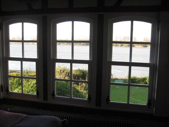 La Bonne Auberge: zicht vanuit onze kamer