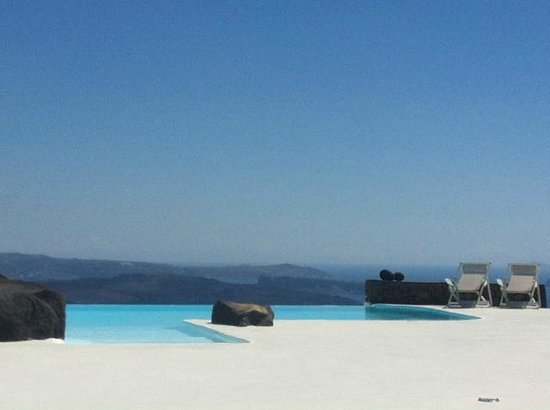 Aenaon Villas: View from the pool