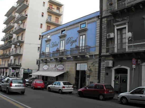 Rigel Hotel: La facciata