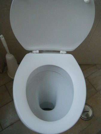 Residencial Mozambique: Toilet