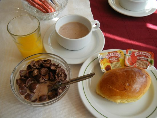 Residencial Mozambique: Breakfast