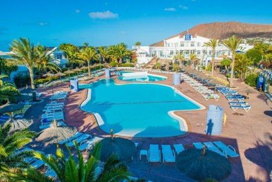 HL Paradise Island: Main Pool