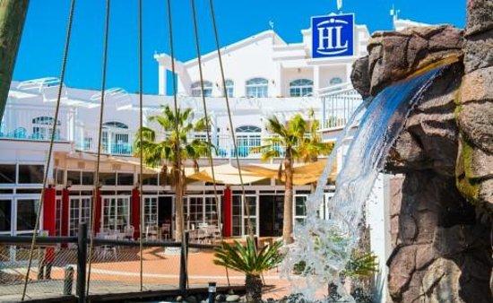 HL Paradise Island: Restaurant