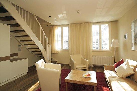 Schiefer Hotel: Vårt hotellrum som var en lägenhet i etage