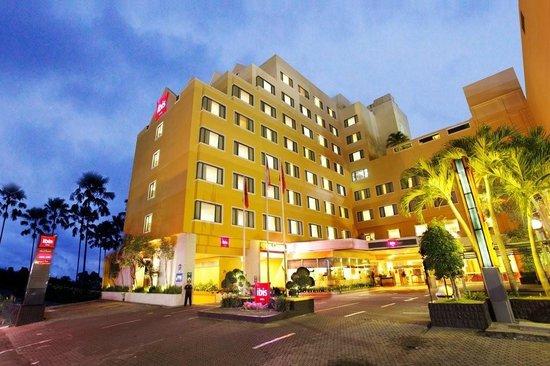 Hotel Ibis Yogyakarta Malioboro: Hotel building