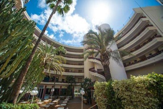 HL Hotel Rondo: Exterior