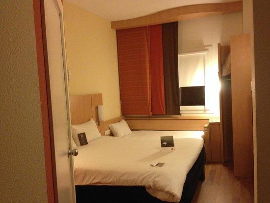 Ibis Madrid C/ Valentin Beato : habitación